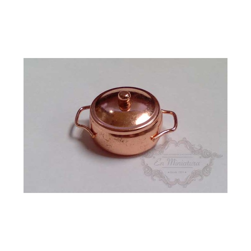 Copper pan with lid