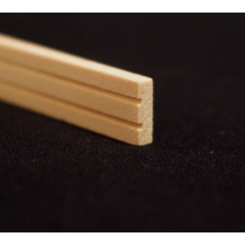 Listón plano en madera natural