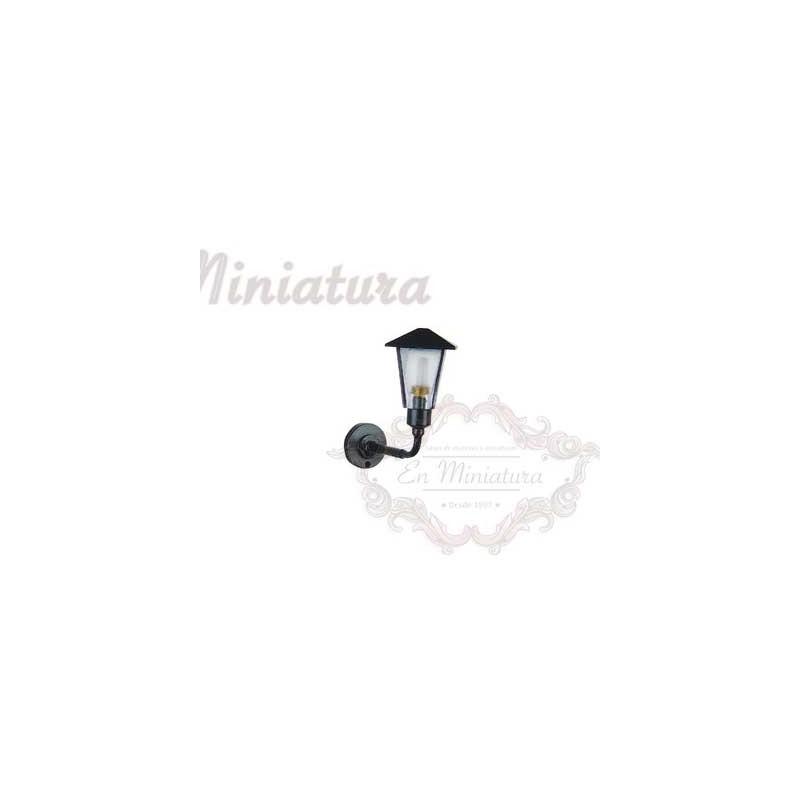 Facade lantern