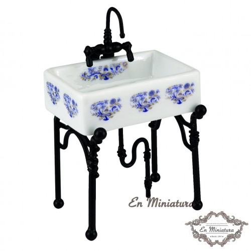 Reutter porcelain washbasin, Blue