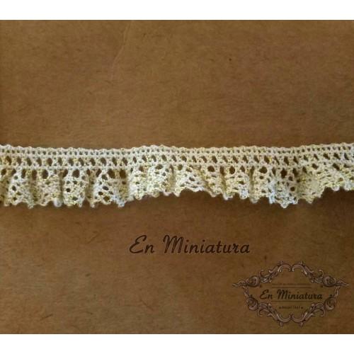 Gathered lace