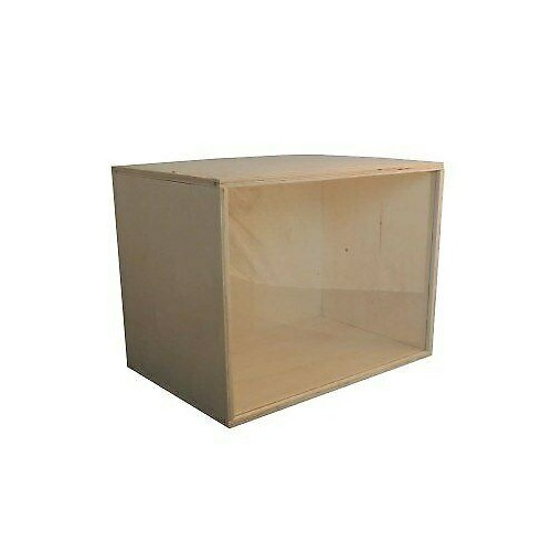 Escena de madera con cristal