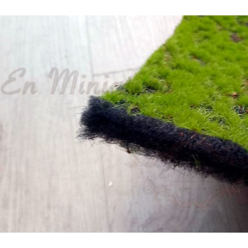 Grass mantle for models and nativity scenes