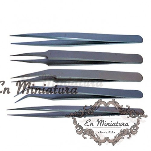 Set of tweezers for modeling