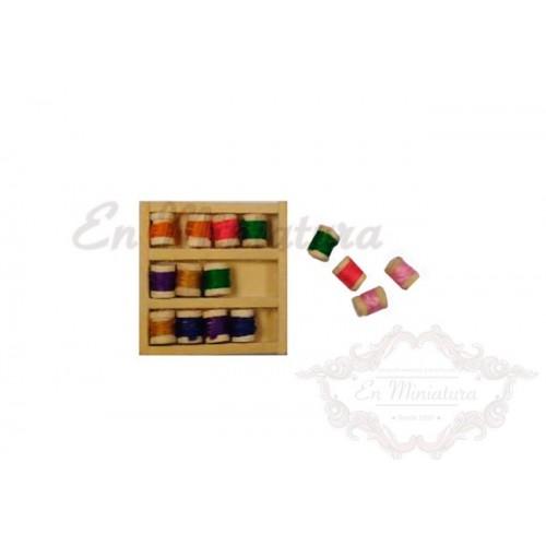 Caja de Madera con hilos