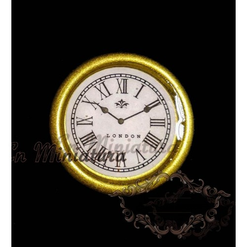 Reloj de pared dorado