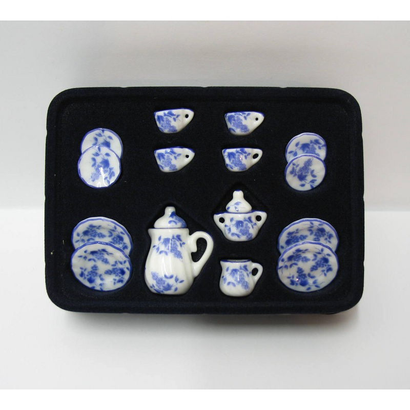Juego de té en porcelana