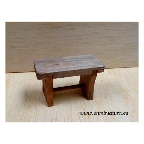 Mesa rústica de madera